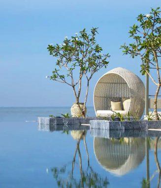 Oceanfront-Swimming-Pool